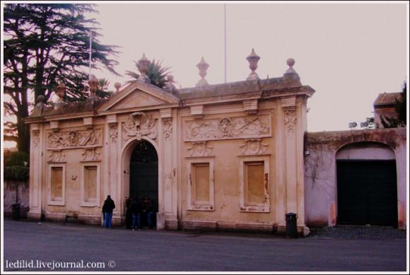 Парадный фасад Виллы Мальта