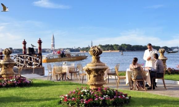 Вид с острова на Большую Венецию