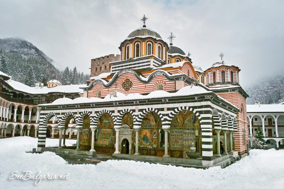 Монастир святого Івана Рильського, або Рильський монастир, головний чоловічий монастир Болгарської православної церкви, заснований наприкінці Х ст. Він стоїть у горах на висоті 1147 м