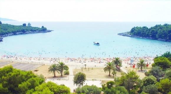 Пляж у Тіваті