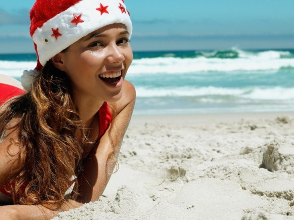santa-claus-woman-beach-egypt