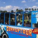 """Corruptour – екскурсія по місцях """"корупційної слави"""". Новацію для міських туристичних автобусів впровадили в Мексиці"""