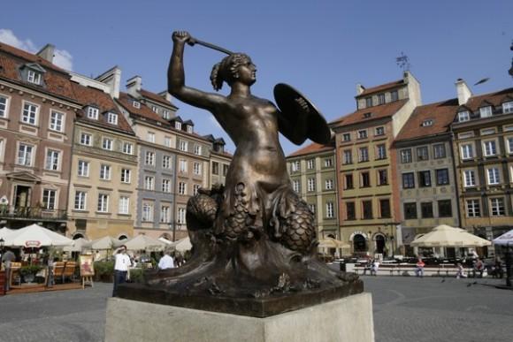 Сиренка - символ Варшави - на площі Старого ринку